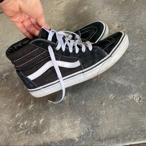 💋 2/$22 - Classic Vans High-Top Skate Shoes